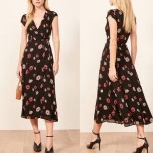 Dresses & Skirts - 🖤 NWT REFORMATION DRESS- CARINA WRAP MIDI DRESS
